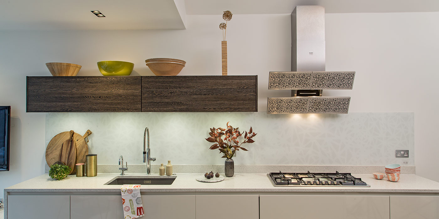 Bespoke splashbacks – interpretation of Blanco Arte Extractor hood as a Kitchen Splashback