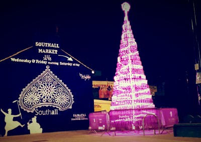 Glartique-by-Ashley-Phillips-Dec-2014-Southall-Pink-neon-xmas-tree-and-mural.1